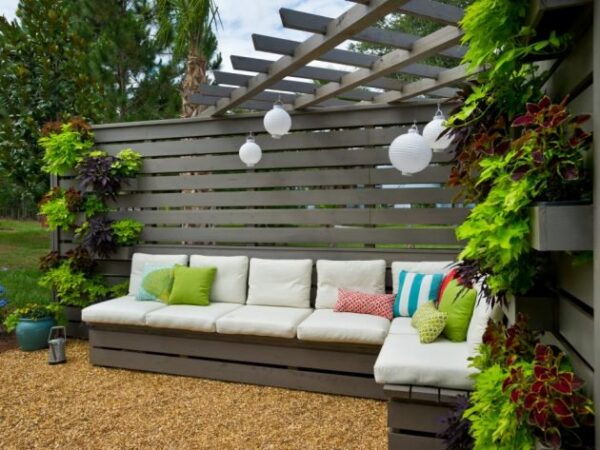 Choosing The Right Furniture For Your Garden